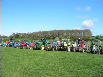 beadlam_tractors_lined_up_400x300