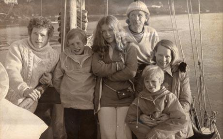 Photograph of the Robertson Family courtesy of The Daily Telegraph