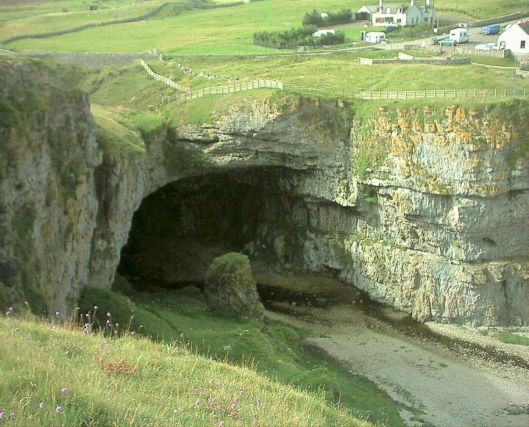 Smoo Cave photo credit www.amazingplacesonearth.com