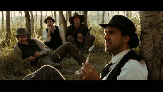 the-assassination-of-jesse-james-by-the-coward-robert-ford-jeremy-renner-18446528-853-480